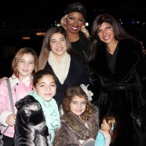 Nene-Leakes-Cinderella-on-Broadway-with-Teresa-Guidice-and-daughters-600x600