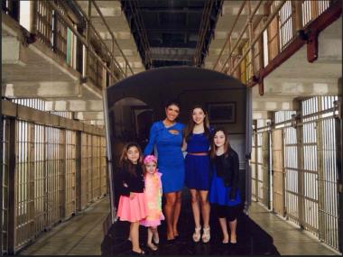 teresa-kids-visit-prison